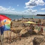 Ciel bleu sur la plage des enfants des Portes en Ré